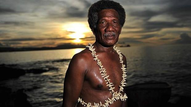 www.delfinariy.info_Solomon Islands_Robert Satu